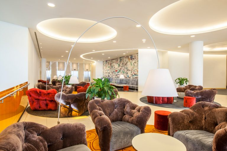 ledap_crowne_plaza_st_petersburg_airport_conference_foyer_2nd_floor