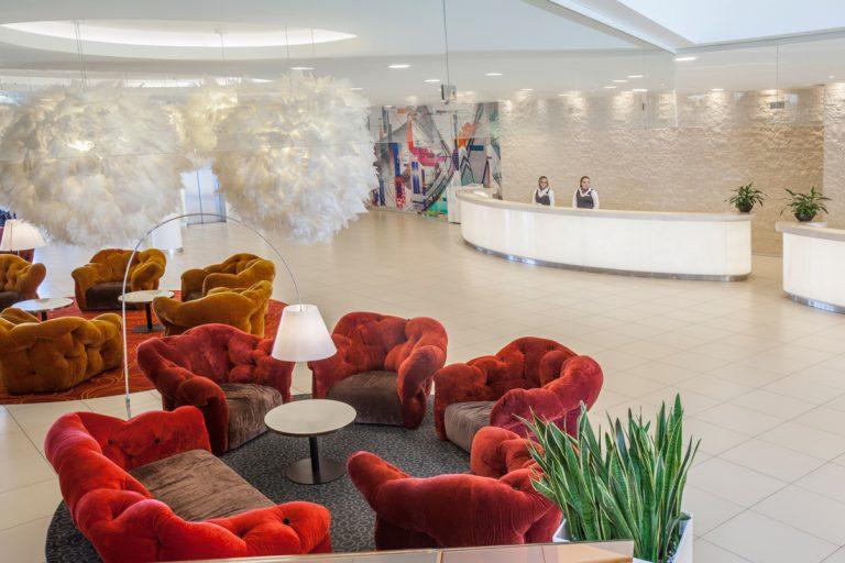 ledap_crowne_plaza_st_petersburg_airport_lobby_reception